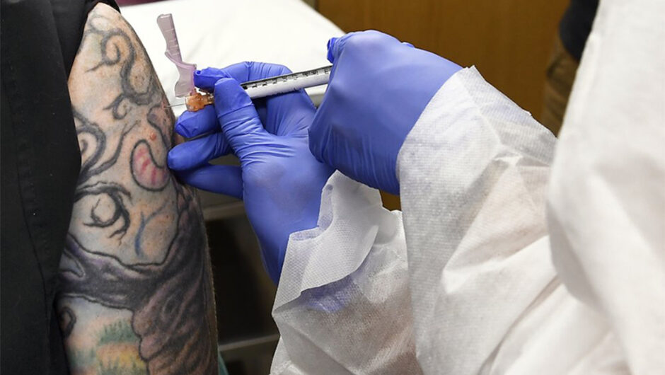 Half of American adults want COVID-19 vaccine: poll