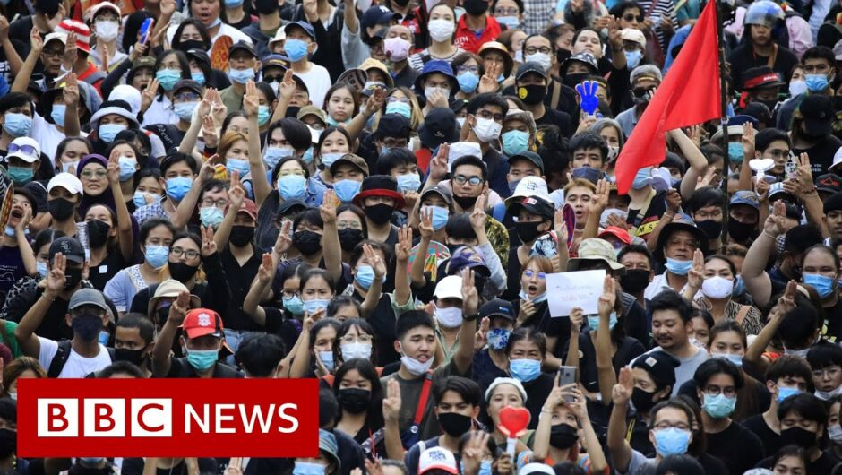 Thai protesters confront royals in Bangkok visit – BBC News